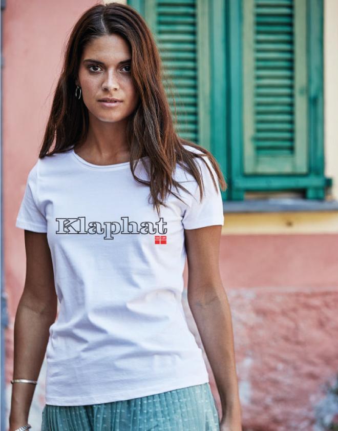 Kvinde kategori kvinde model med t-shirt